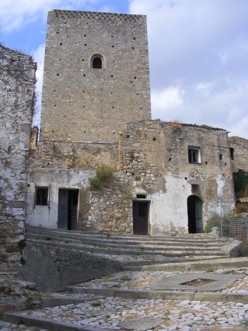 Craco, torre normanna